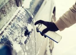 Enteiser für Auto im Winter