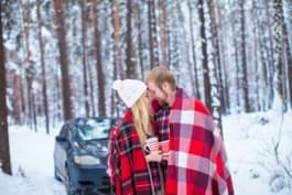 Warme Decke für das Auto im Winter