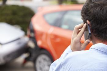 Polizei rufen nach Unfall