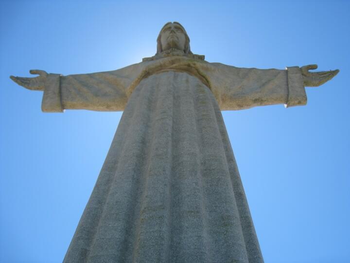 Cristo-Rei Statue in Almada
