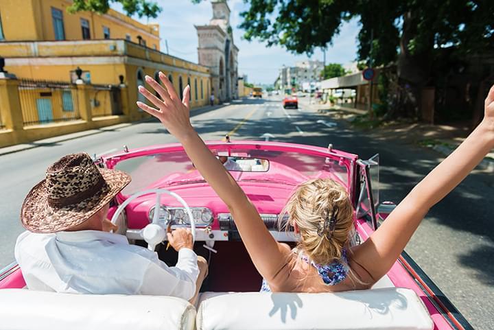 Mit dem Cabrio durch Havanna