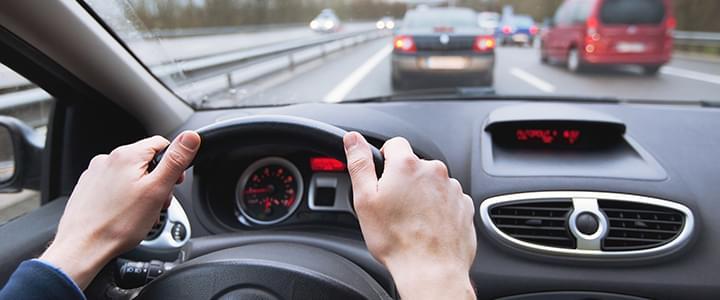 Stresssituation mit dem Auto: Drängelnde Autofahrer