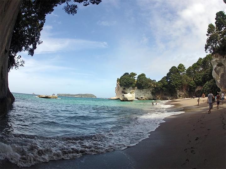Der Strand bei der Cathedral Cove
