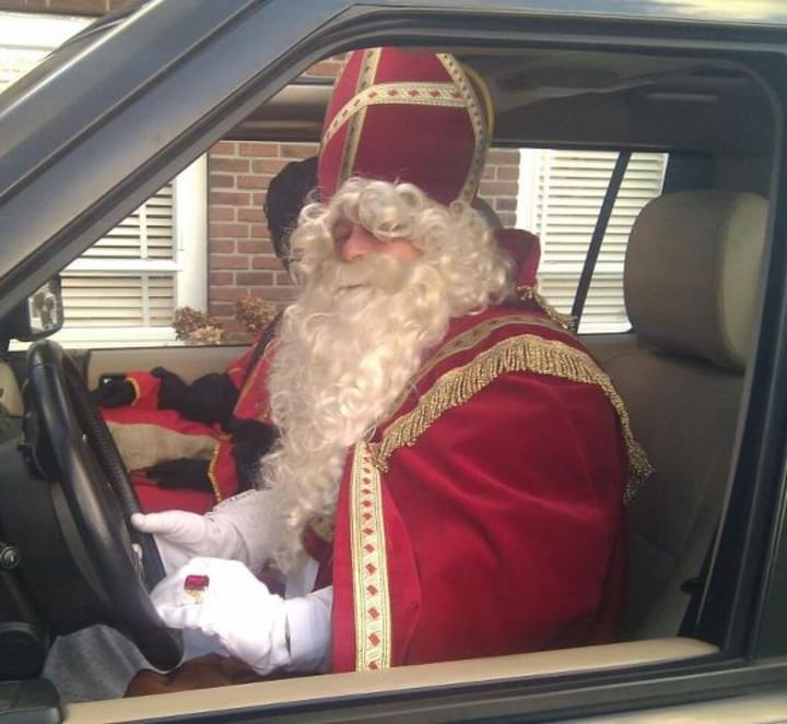 Nikolaus im Wagen