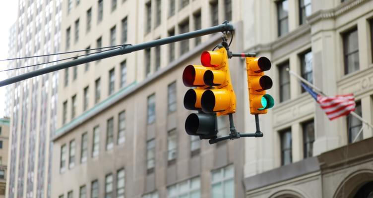 Mietwagen USA: Besondere Verkehrsregeln im Überblick
