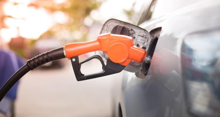 Steigende Benzinpreise: Tipps zum Sparen beim Fahren